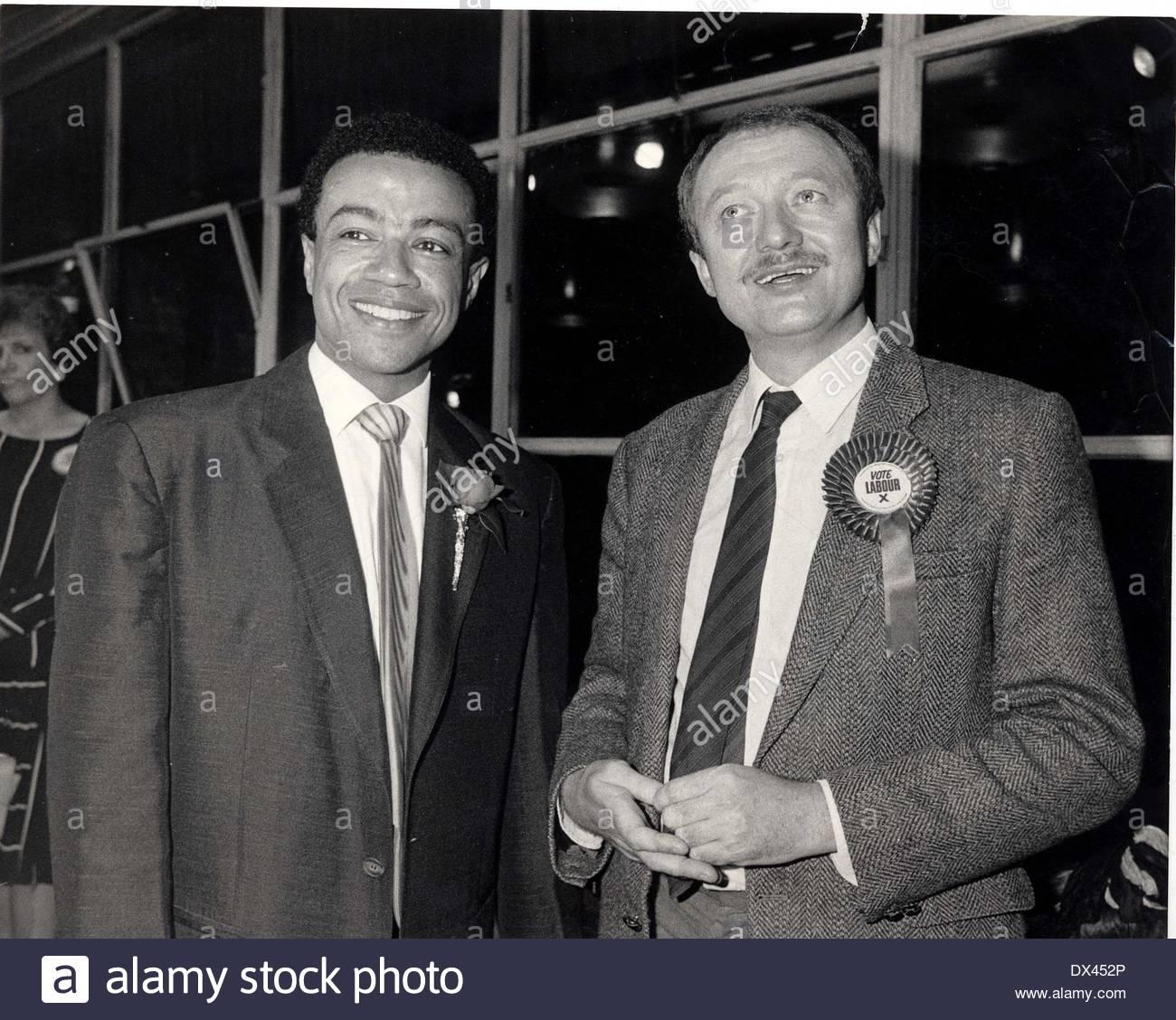 Ken Livingstone - Politician Paul Boateng (left) Stock Photo