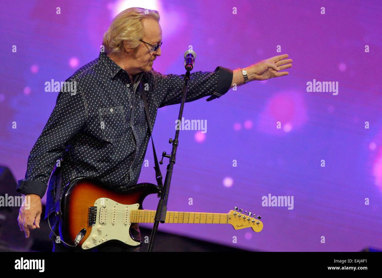 St Petersburg, Russia. 16th Nov, 2014. Italian singer Umberto Antonio Tozzi performs in a show titled Felicita Italiana Stock Photo