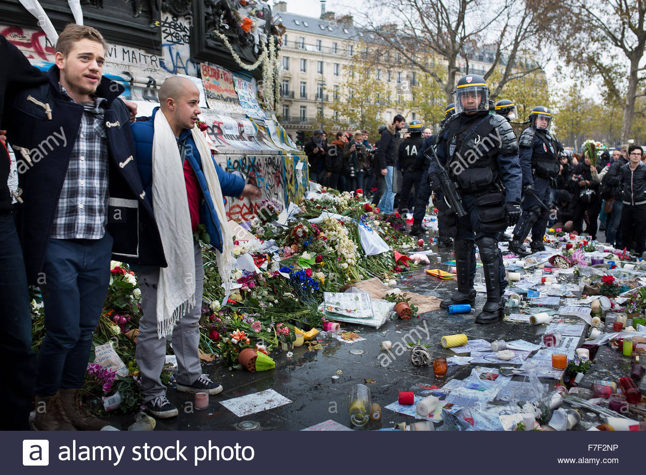 Paris, France. 29th November, 2015. Protestors march in Paris during a rally against global warming on November 29, 2015 in Paris, on the eve of the UN conference on climate change COP21. - Anthony Micallef/ © Haytham Pictures/Alamy Live News Stock Photo