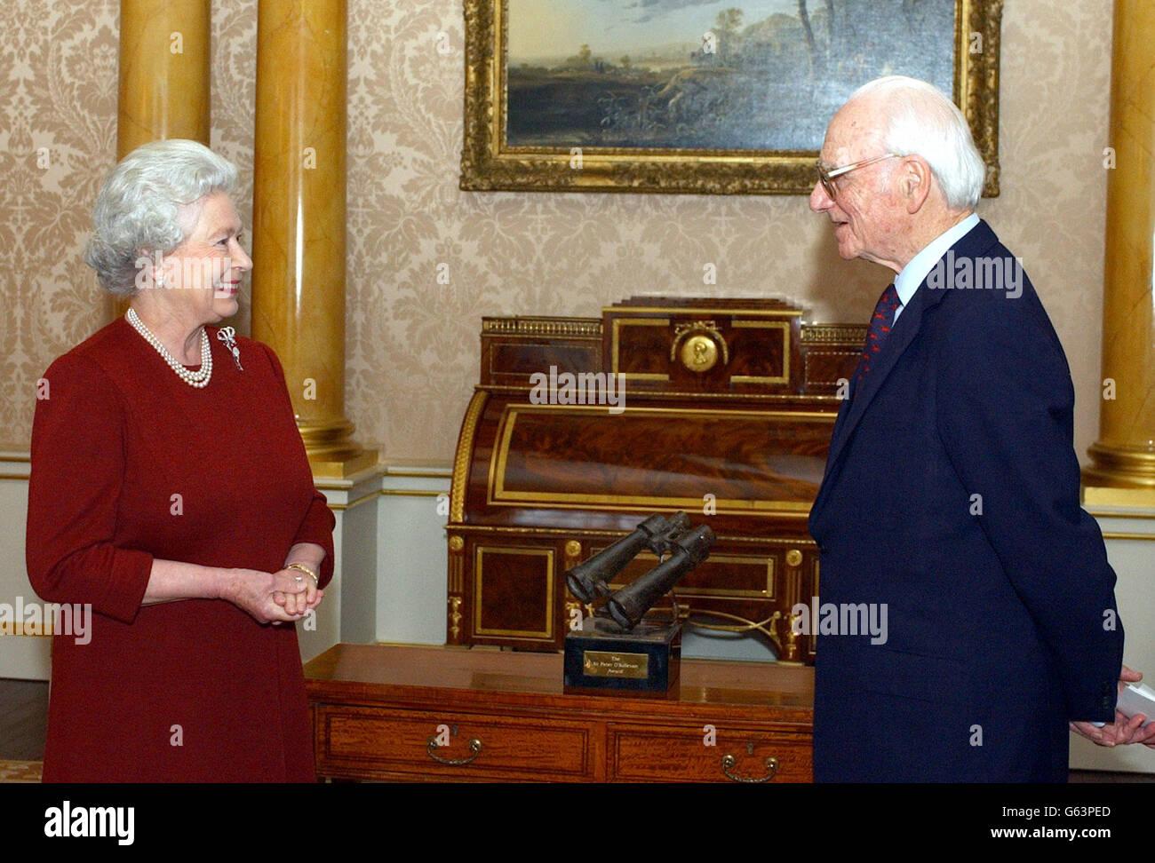 Queen & Sir Peter O'Sullevan Stock Photo