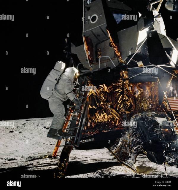NASA Apollo 12 lunar landing mission prime crew astronaut ...