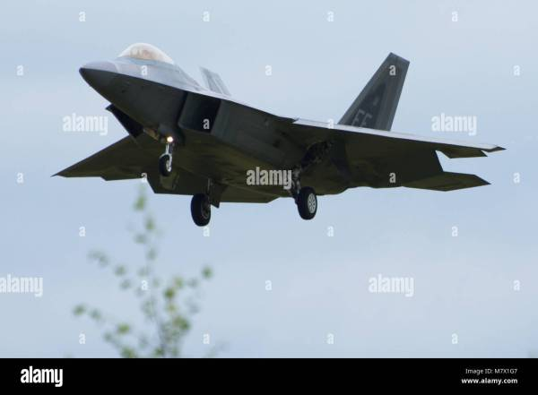 Fighter Jet Taking Off Stock Photos & Fighter Jet Taking ...