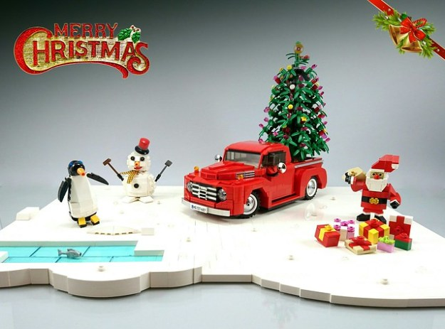 Season's  Greetings - LEGO MOC