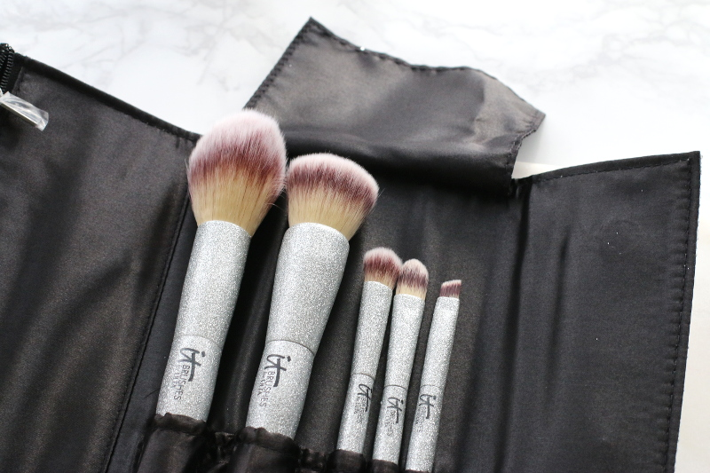 it-cosmetics-makeup-brushes-14