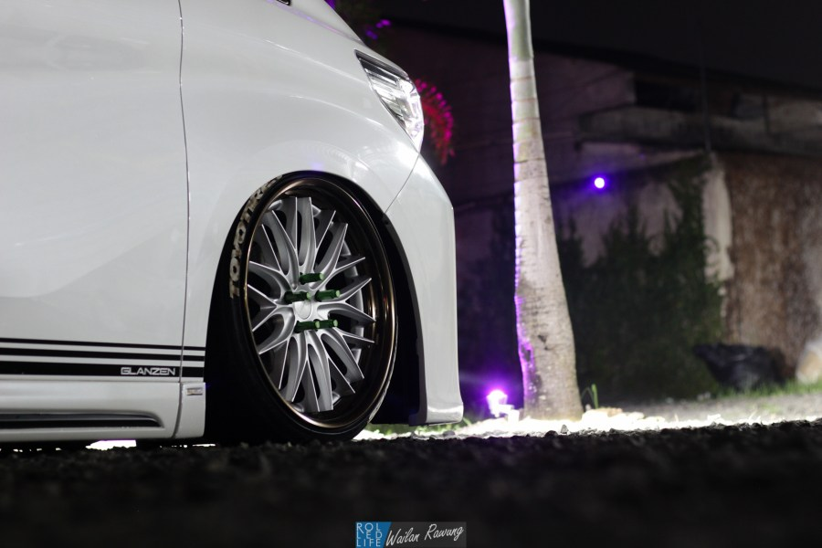Kikianugraha Slammed Toyota Alphard-10