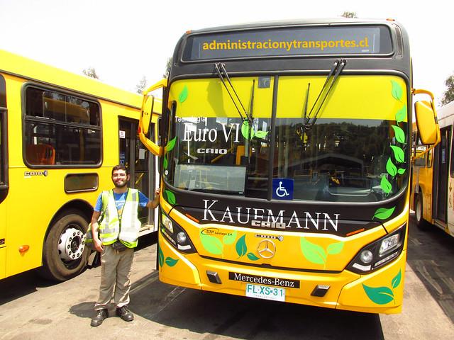Ariel Cruz Pizarro & Bus Euro 6 Transantiago