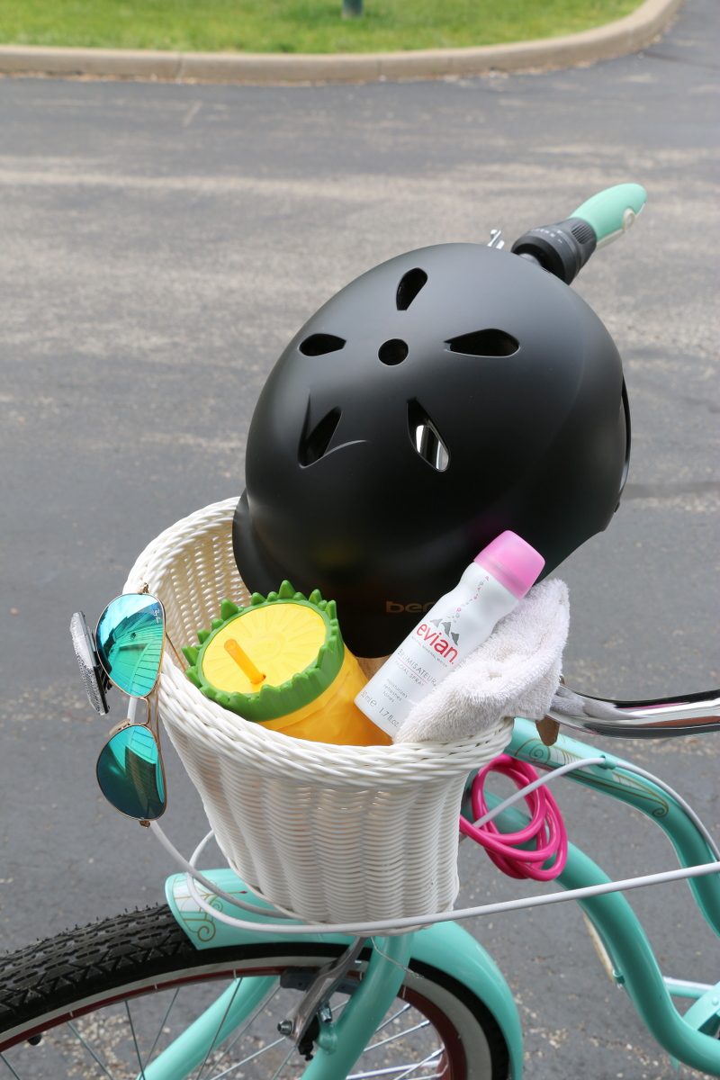 bike-basket-helmet-cycling-essentials-2