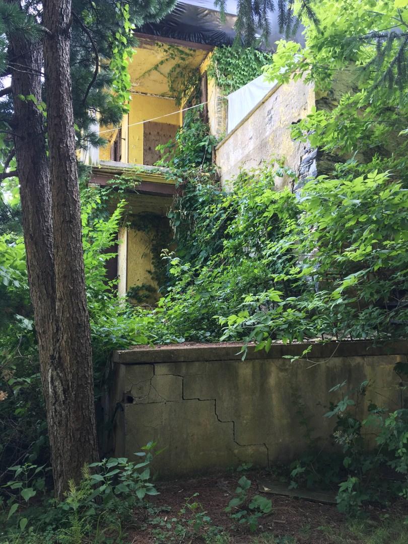 richard-ashbridge-mansion-exton-side-abandoned