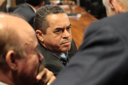 Justiça acelera ação penal por corrupção que tramita há 15 anos contra Lira Maia