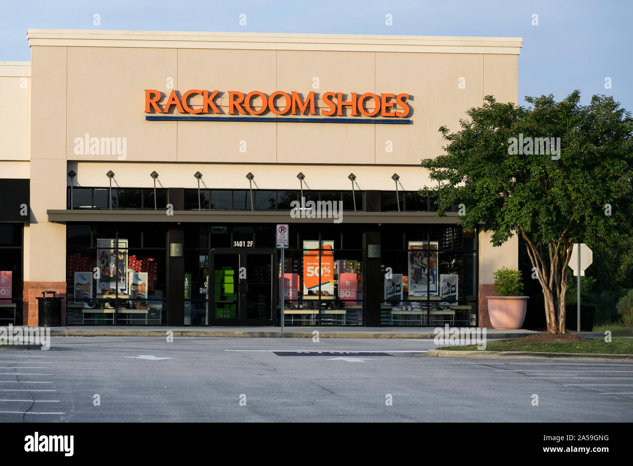 https www alamy com a logo sign outside of a rack room shoes retail store location in wilson north carolina on september 14 2019 image330280988 html