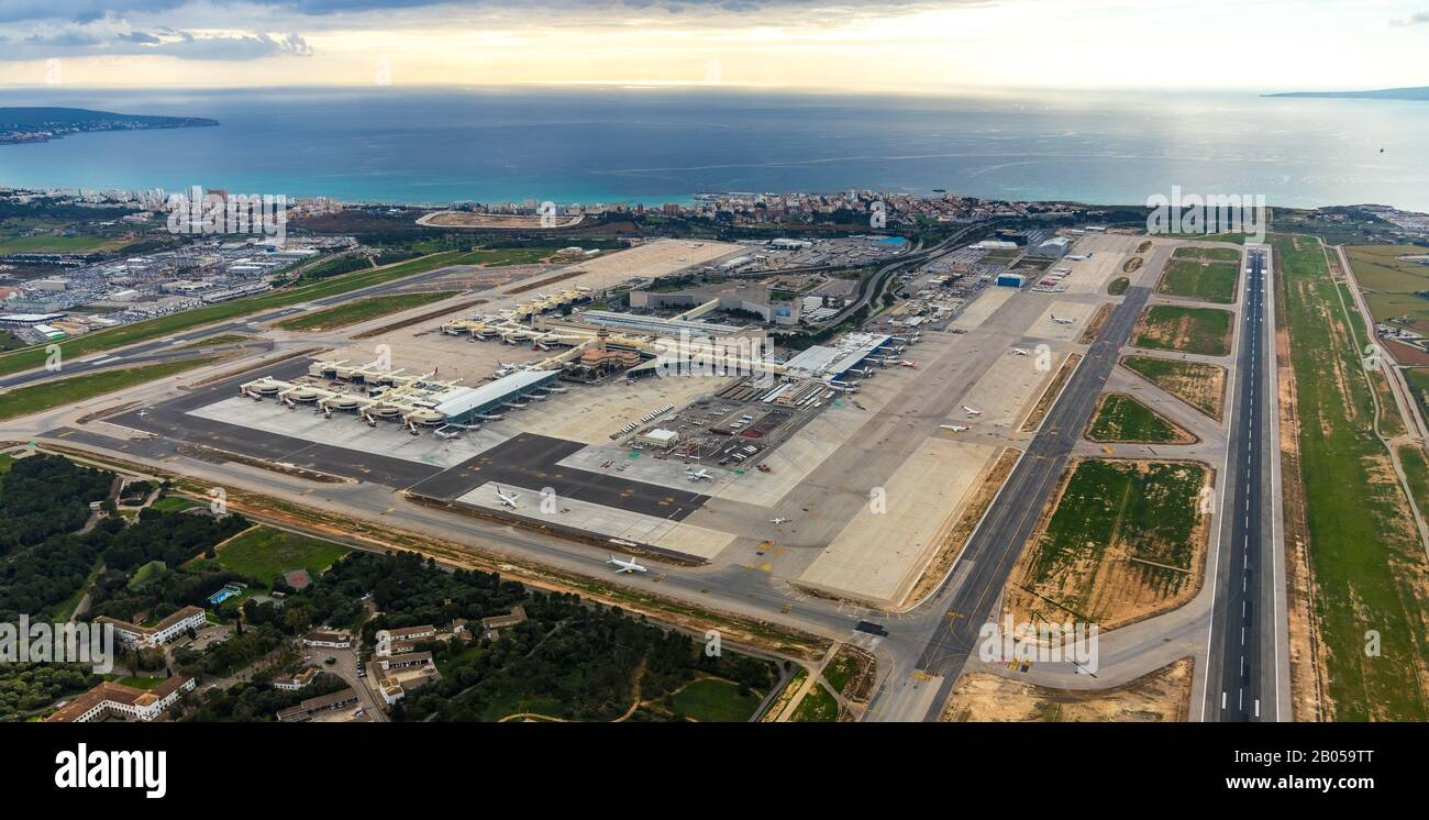 https www alamy com aerial photo aeroport de palma airport palma de mallorca runway palma balearic islands spain europe mallorca terminal building balearic isla image344324872 html