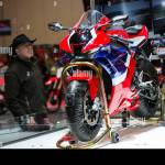 Toronto Canada 21st Feb 2020 A Man Looks At A 2021 Honda Cbr1000rr R Fireblade Sp Motorcycle During The 2020 Toronto Motorcycle Show In Toronto Canada On Feb 21 2020 Giving Enthusiasts Their