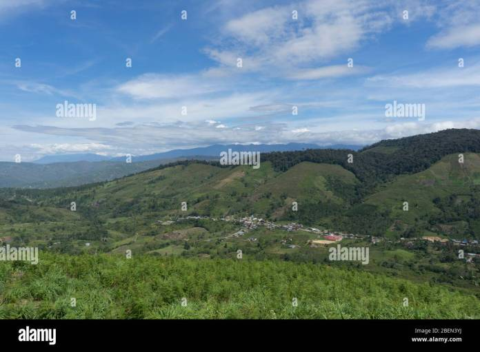 Barisan Mountains Indonesia High Resolution Stock Photography And Images Alamy