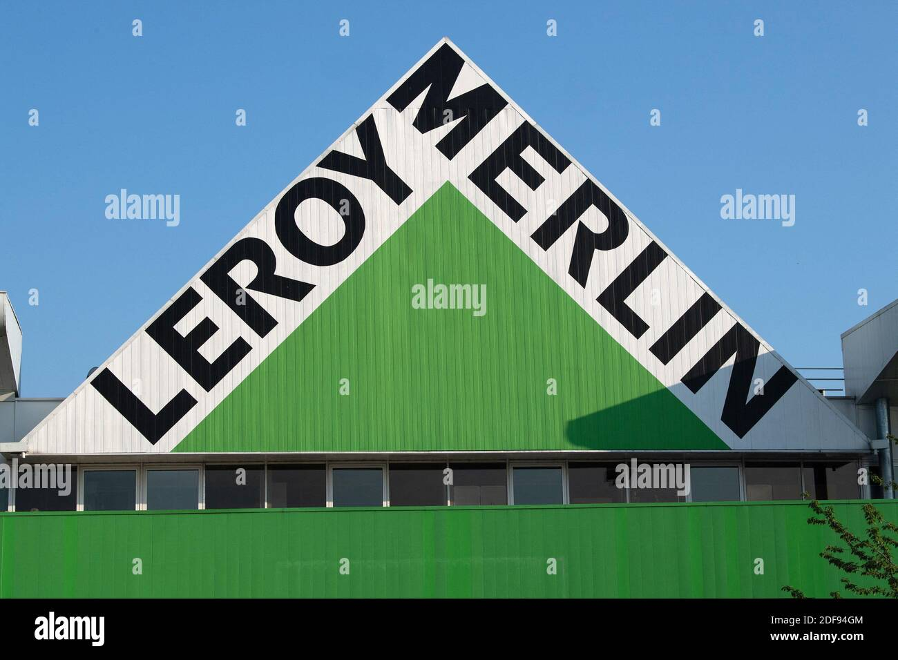 https www alamy com a shop sign of leroy merlin in bonneuil sur marne on april 10 2020 francephoto by david niviereabacapresscom image388049108 html