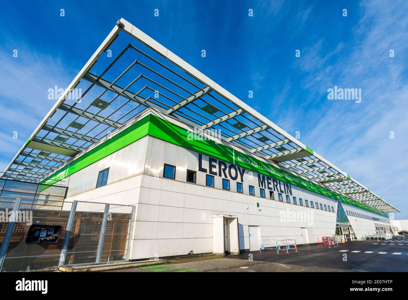 Bois D Arcy France December 30 2020 Exterior View Of A Leroy Merlin Store An International French Retail Company Specializing In Diy Stock Photo Alamy