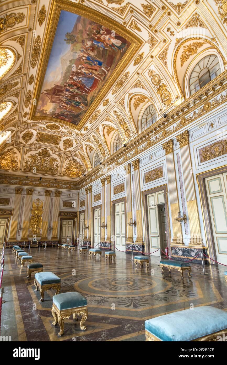 Questo il filo conduttore delle iniziative che. Caserta Palace Throne Room High Resolution Stock Photography And Images Alamy