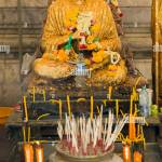 Burning Incense And Worshipping Buddha High Resolution Stock Photography And Images Alamy