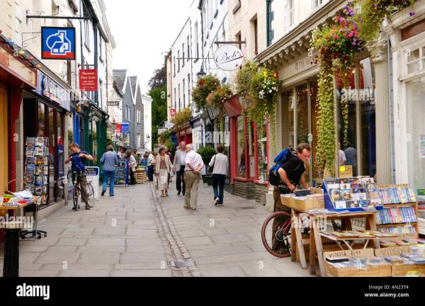 Narrow pedestrian shopping street in Monmouth ...