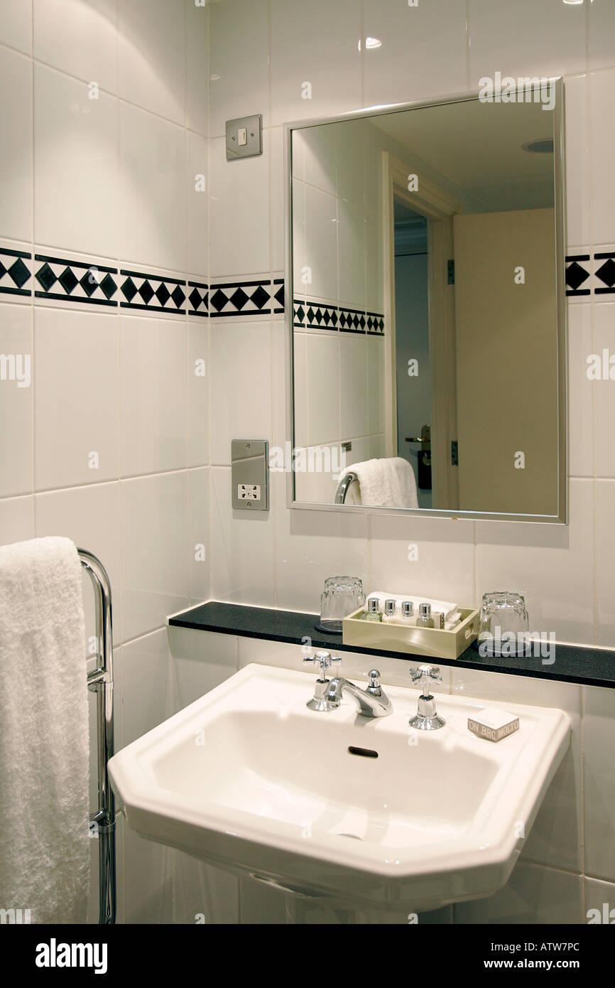 bathroom bath toilet loo toilets basin lavatory spot lights water