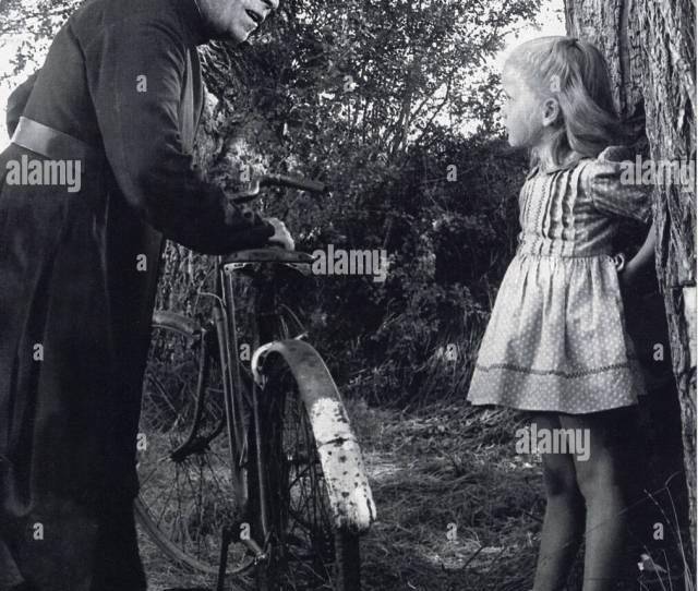 Jeux Inderdits Aka Forbidden Games Aka Secret Games 1952 French Film With Brigitte Fossey Aged 6 And Louis Sainteve