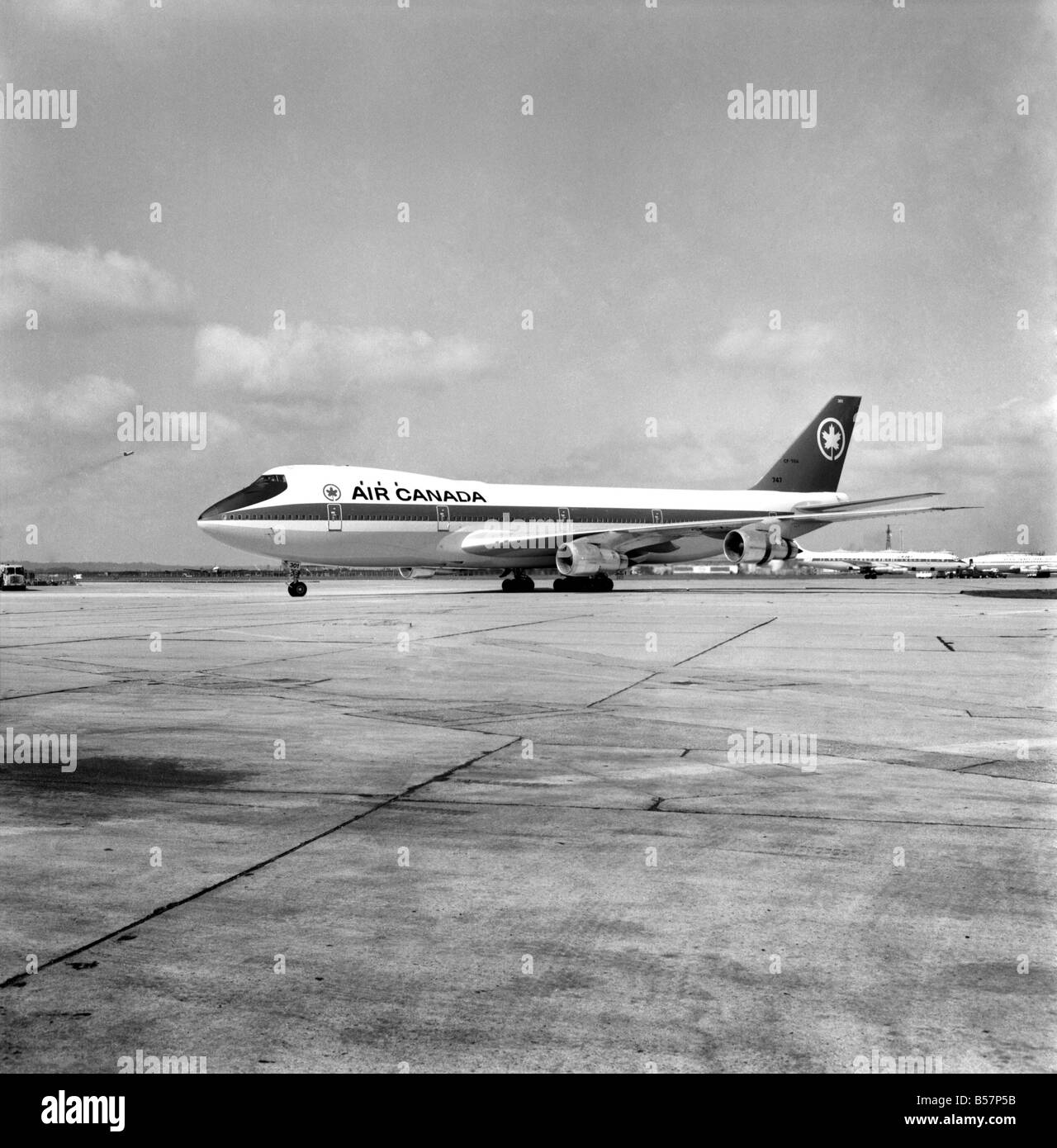 Jumbo Jet Black And White Stock Photos Amp Images