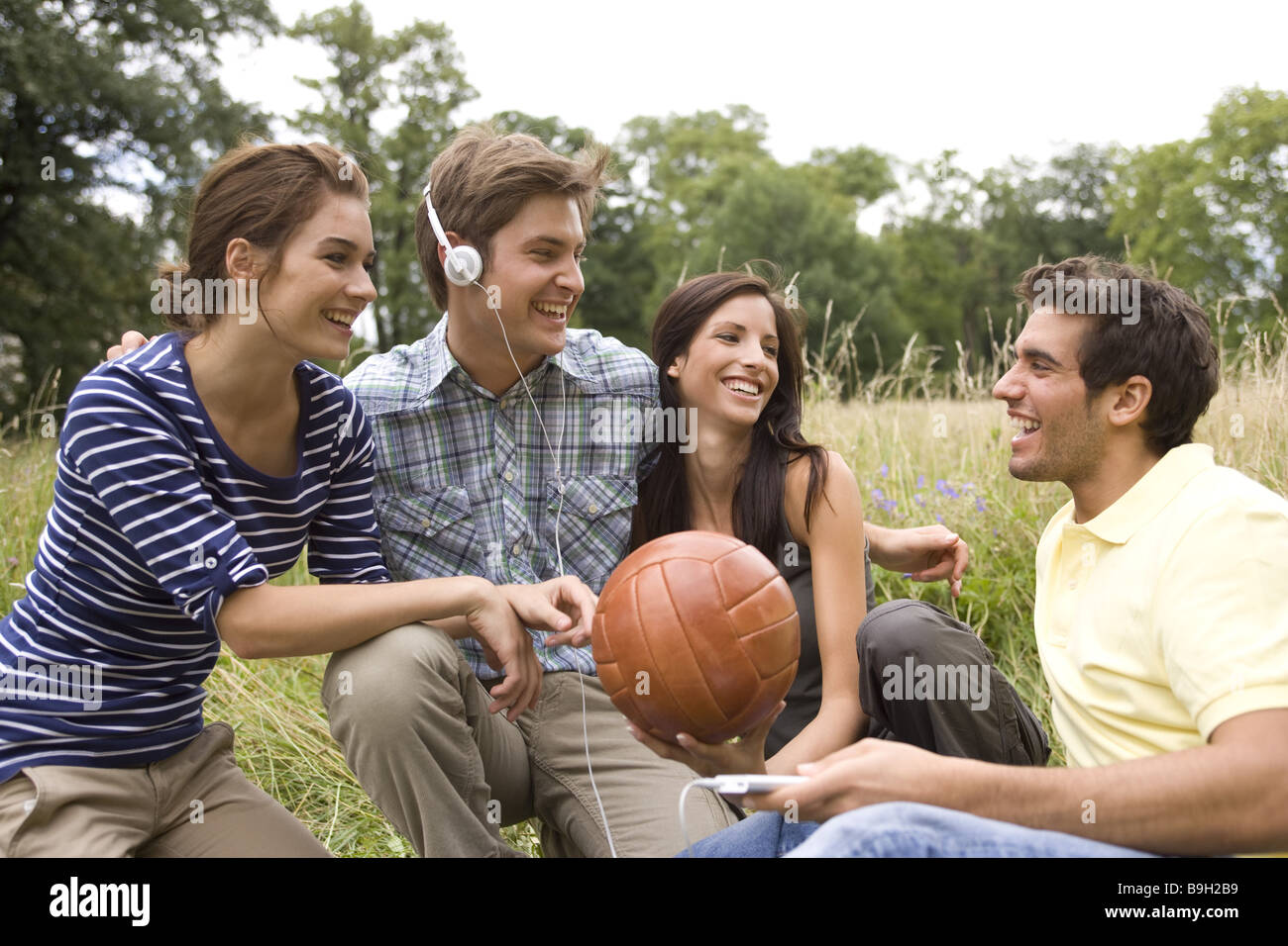 Group Leisure Time Activities Ball Mp3 Music Hears Nature