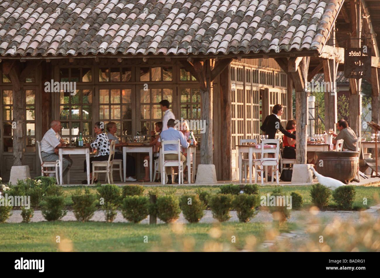 france gironde martillac les sources du caudalie hotel la table du lavoir restaurant