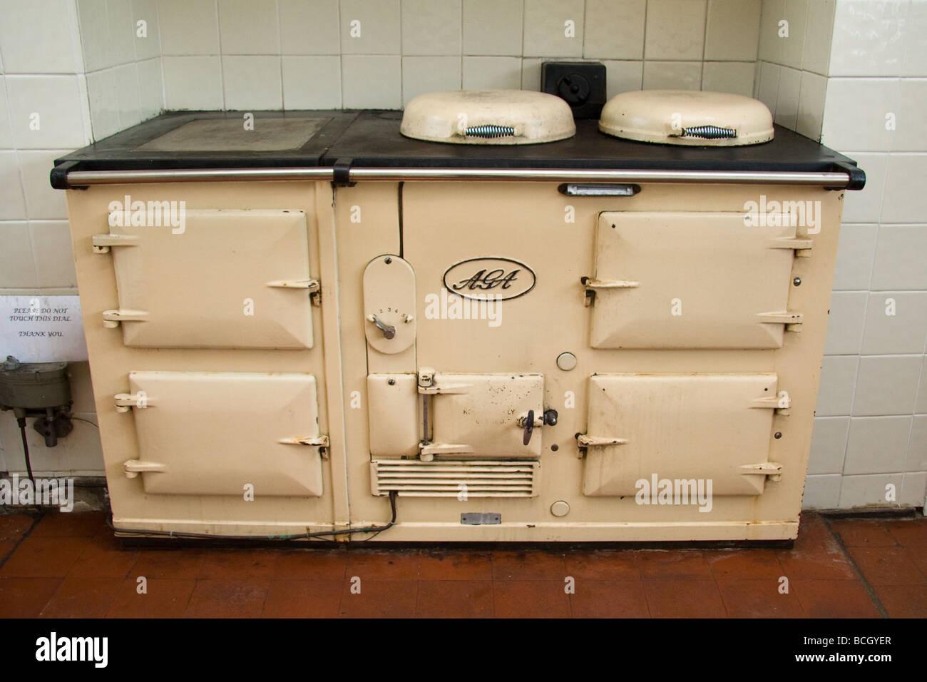 4 oven AGA cooker Stock Photo: 24959055 - Alamy