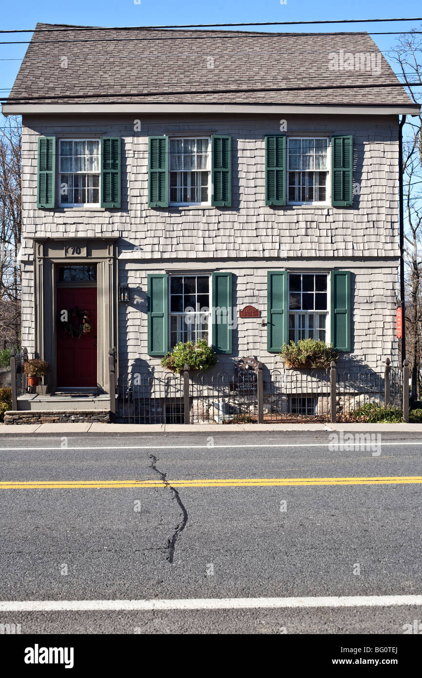 Exterior Gray Shingle Federal Style House Dating From 1820 With Green Stock Photo 27064090 Alamy