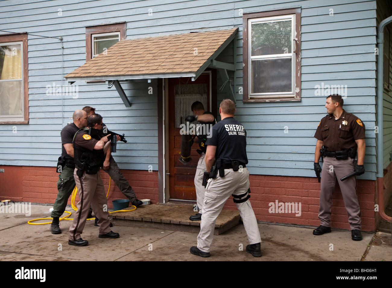 Drug Search Warrant Stock Photos & Drug Search Warrant