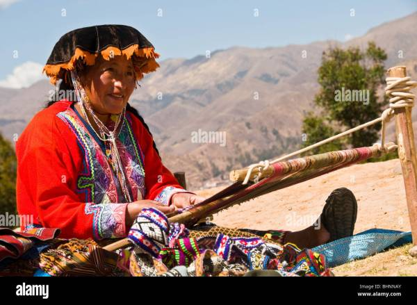 The sacred valley, Peru, South America, indigenous woman ...
