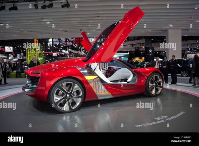renault concept car stock photos & renault concept car stock images