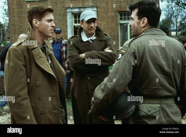 SCENE WITH TOM HANKS & RON LIVINGSTON BAND OF BROTHERS ...