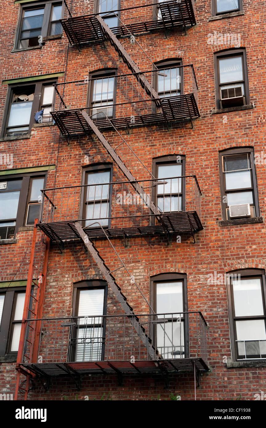 Metal Side Gates Houses