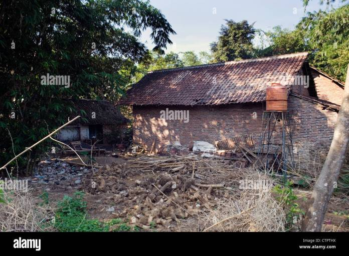 Traditional Indonesian Poor House High Resolution Stock Photography And Images Alamy