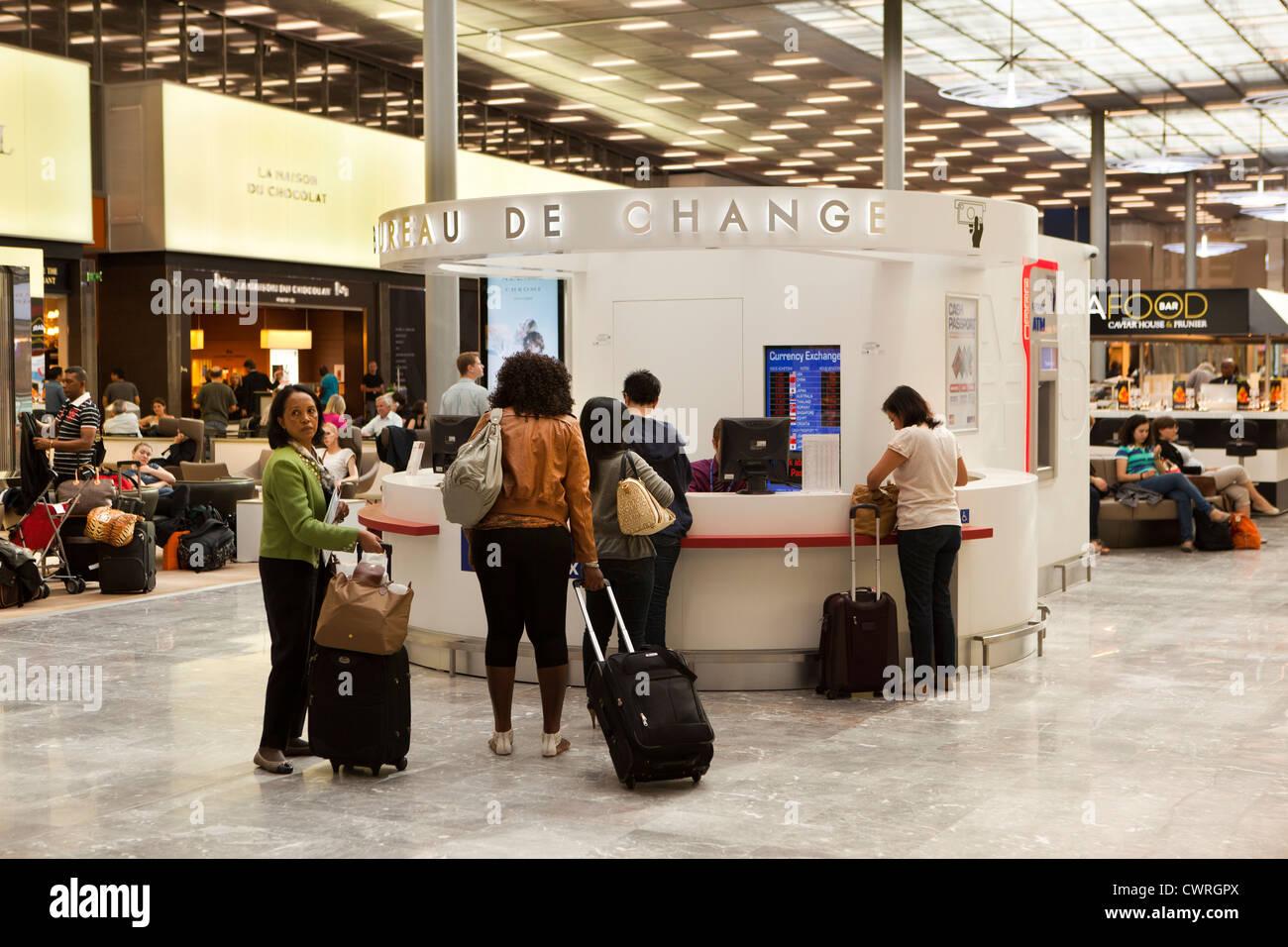 france paris charles de gaulle airport terminal 2e new m gates bureau de change
