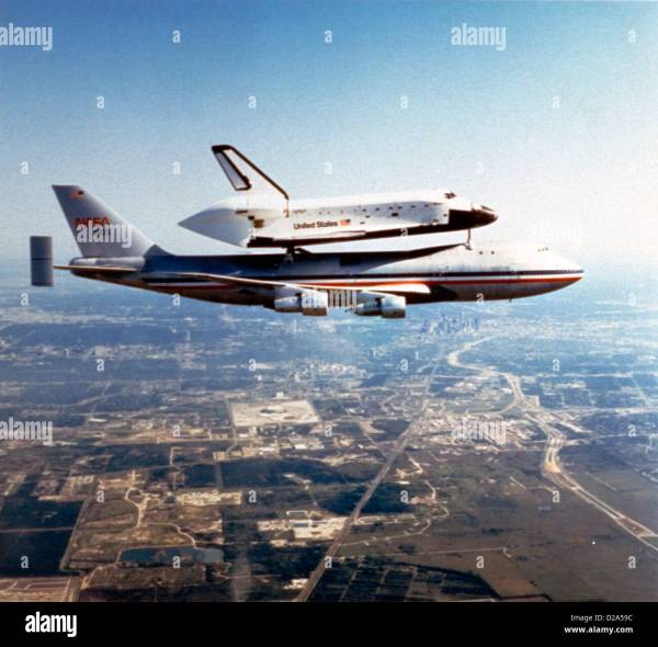 Space Shuttle Challenger Being Ferried By Nasa 905, A ...
