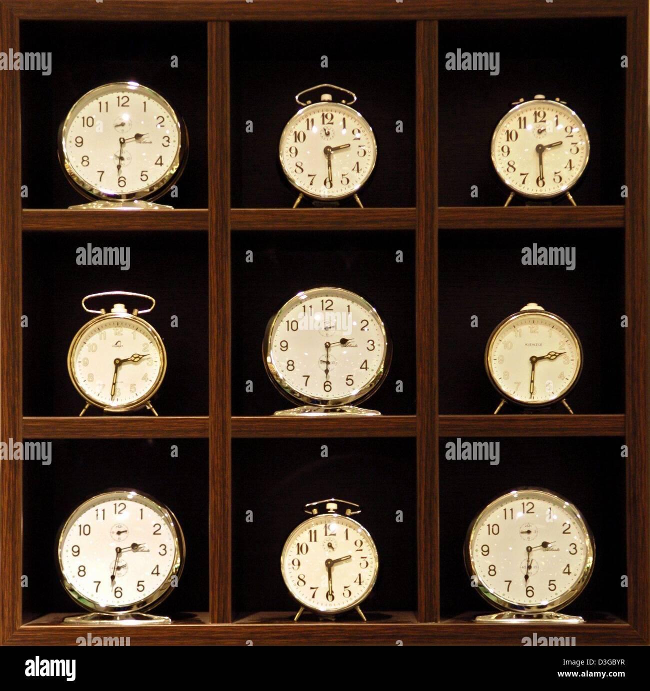Radio Controlled Clocks Stock Photos Amp Radio Controlled