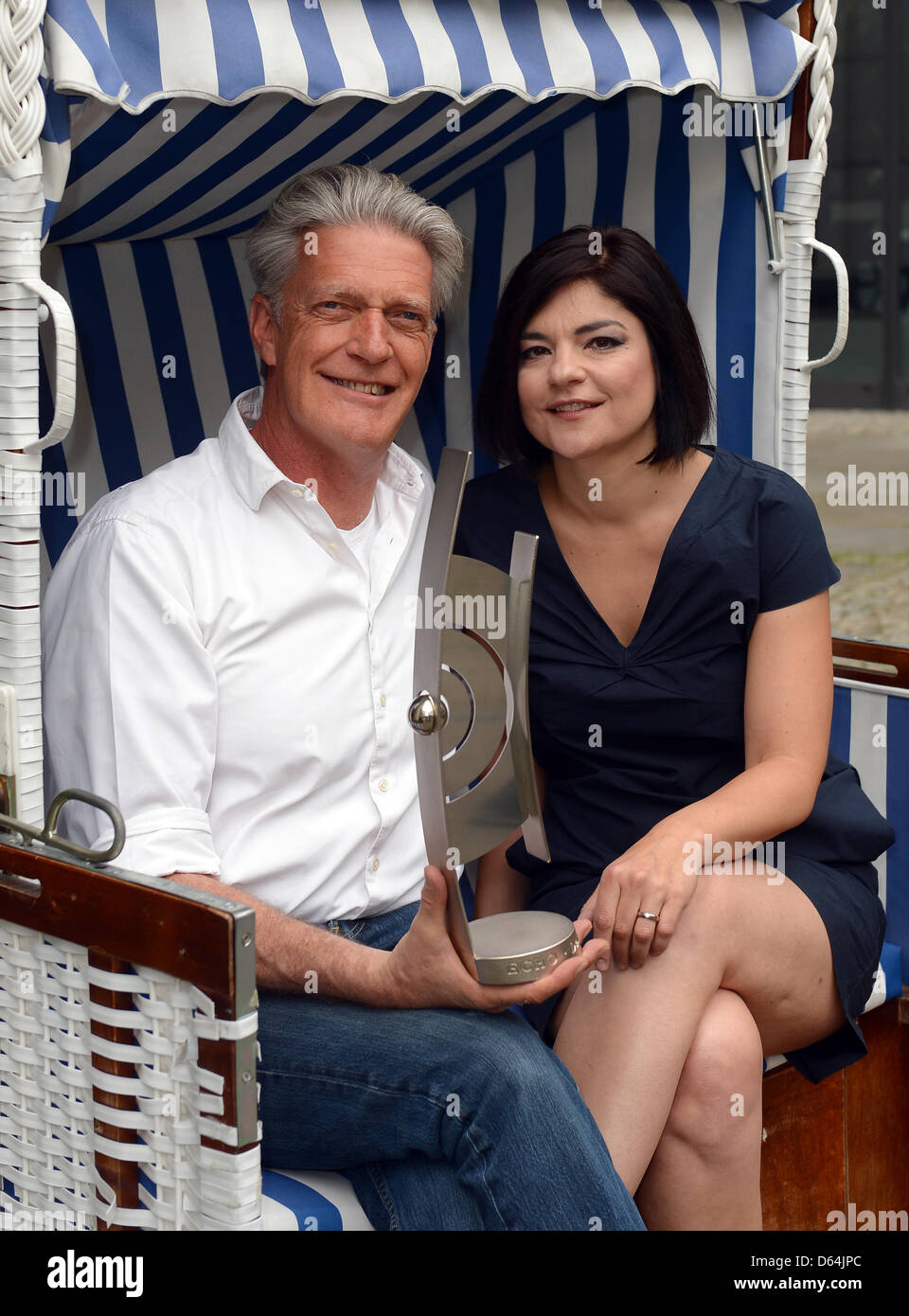 https www alamy com stock photo german actress and singer jasmin tabatabai and the presenter dieter 55421588 html