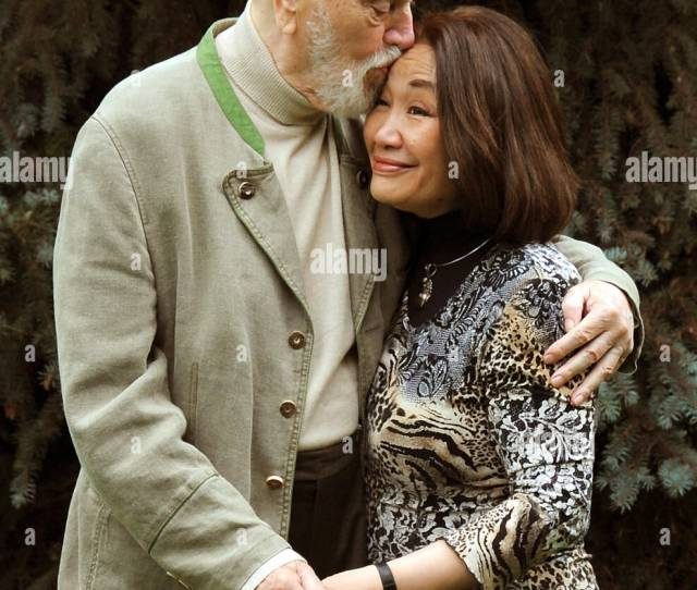 Star Conductor Kurt Masur And His Wife Soprano Tomoko Masur Stand In The Garden Of His Residence In Leipzig Germany