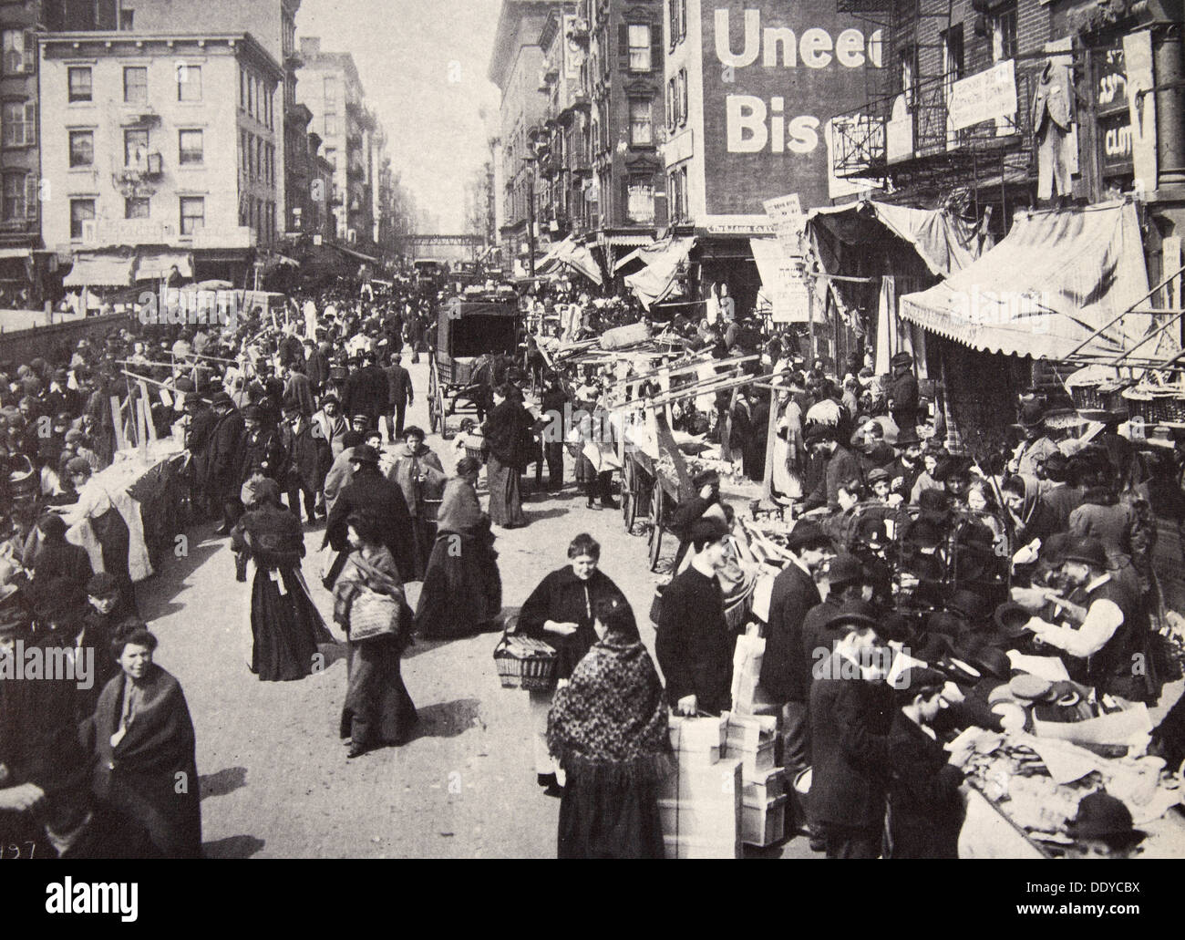 Immigrants On New York City S East Side Usa S