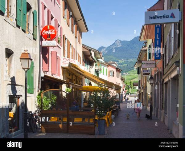 Narrow pedestrian streets in the town of Aigle Vaud ...