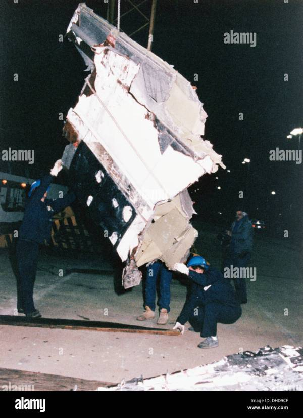 Wreckage from the space shuttle Challenger, STS-51L ...