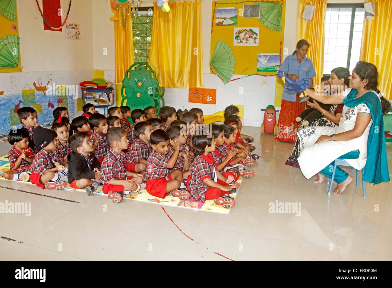 Pre Primary Students In A Classroom India Stock Photo