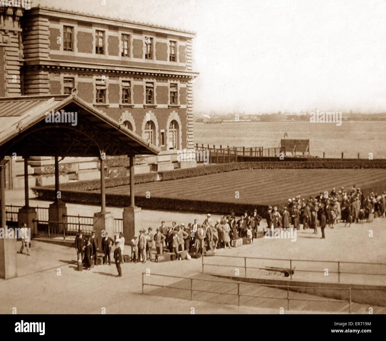 Immigrants Arriving At Ellis Island New York Pre