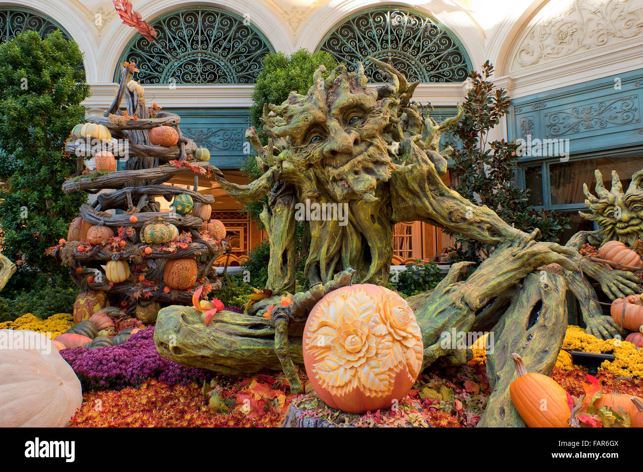 From casinos to shopping and all the nightclubs in between, there is always something to do in vegas. Halloween Display At Bellagio Hotel Las Vegas Nevada Stock Photo Alamy
