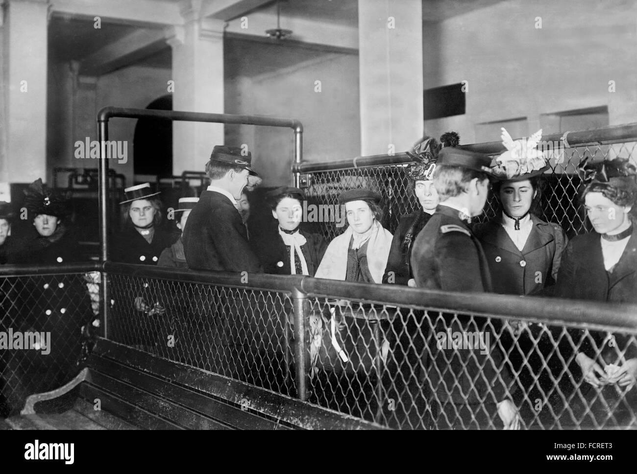 Immigrants At Ellis Island New York Ny Early 20th