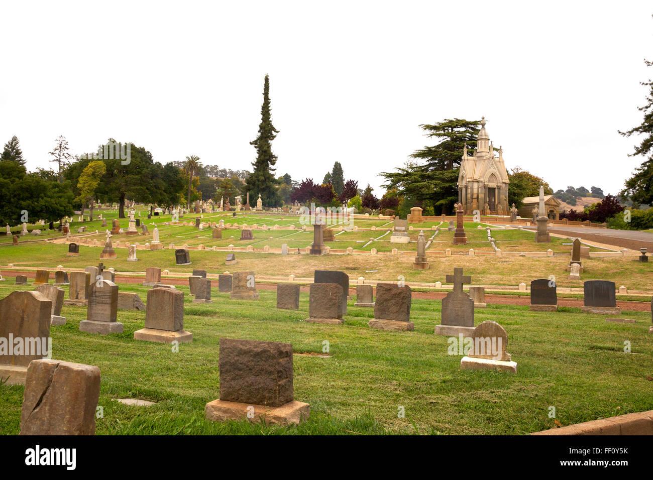 Mt View Cemetery Oakland CA Picture