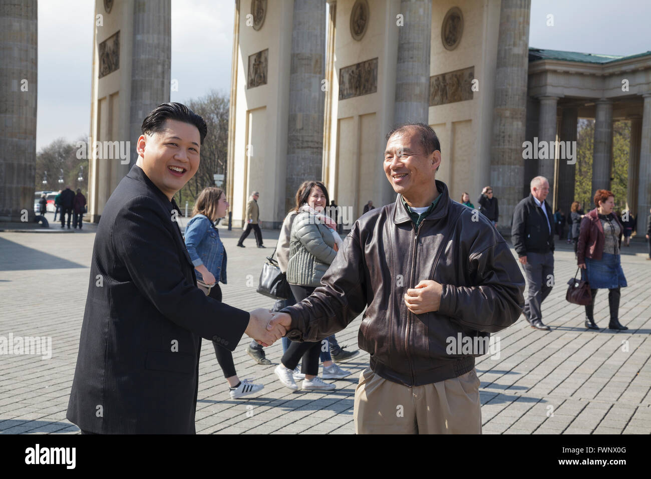 https://i1.wp.com/c8.alamy.com/comp/FWNX0G/berlin-germany-6th-april-2016-kim-jong-un-impersonator-howard-x-from-FWNX0G.jpg
