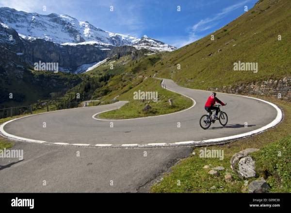 how to drive car or motor bike around a hairpin bend of a - HD1300×953
